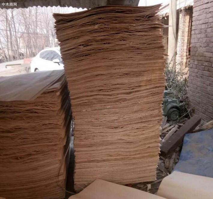 新鲜出炉徐州杨木夹芯板,徐州杨木三拼单板大量销售