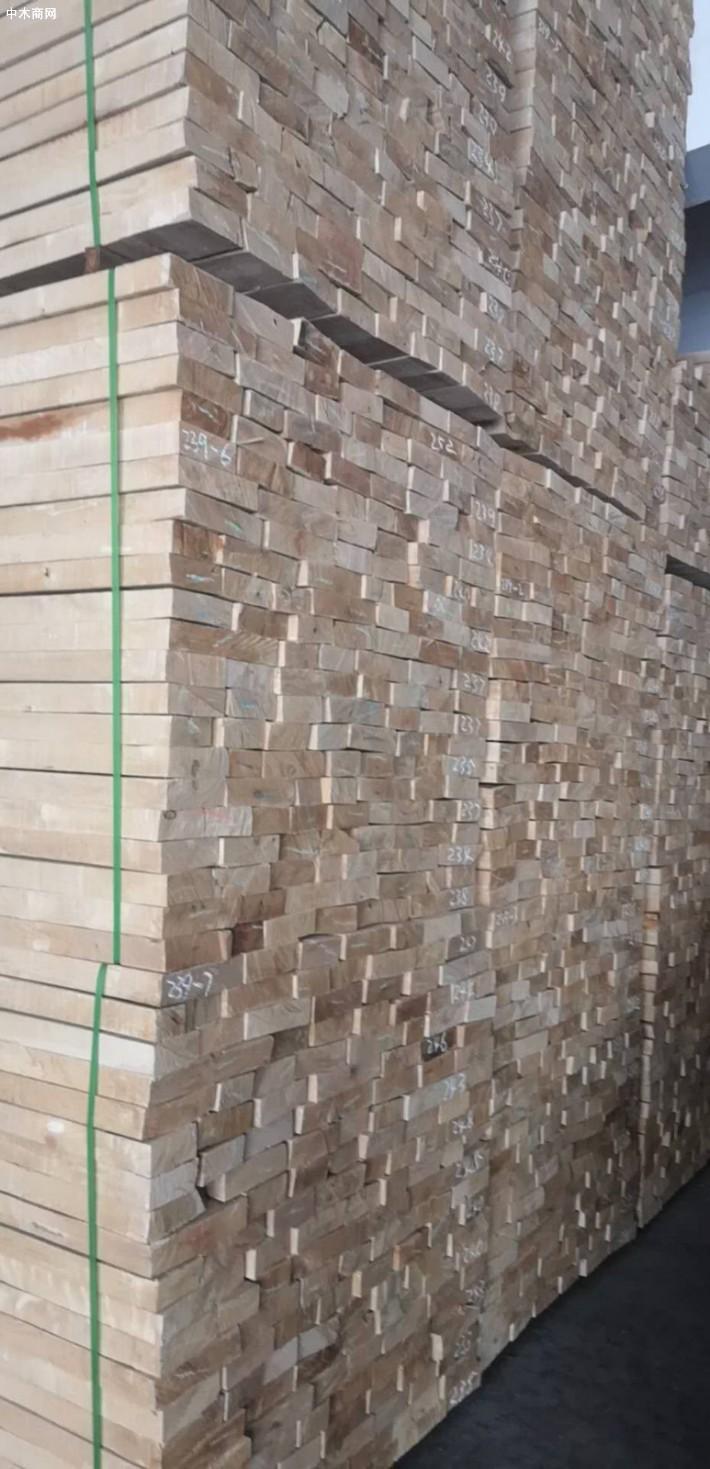 俄罗斯桦木板材