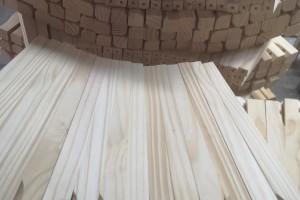 印尼橡胶木刨光料实物图片