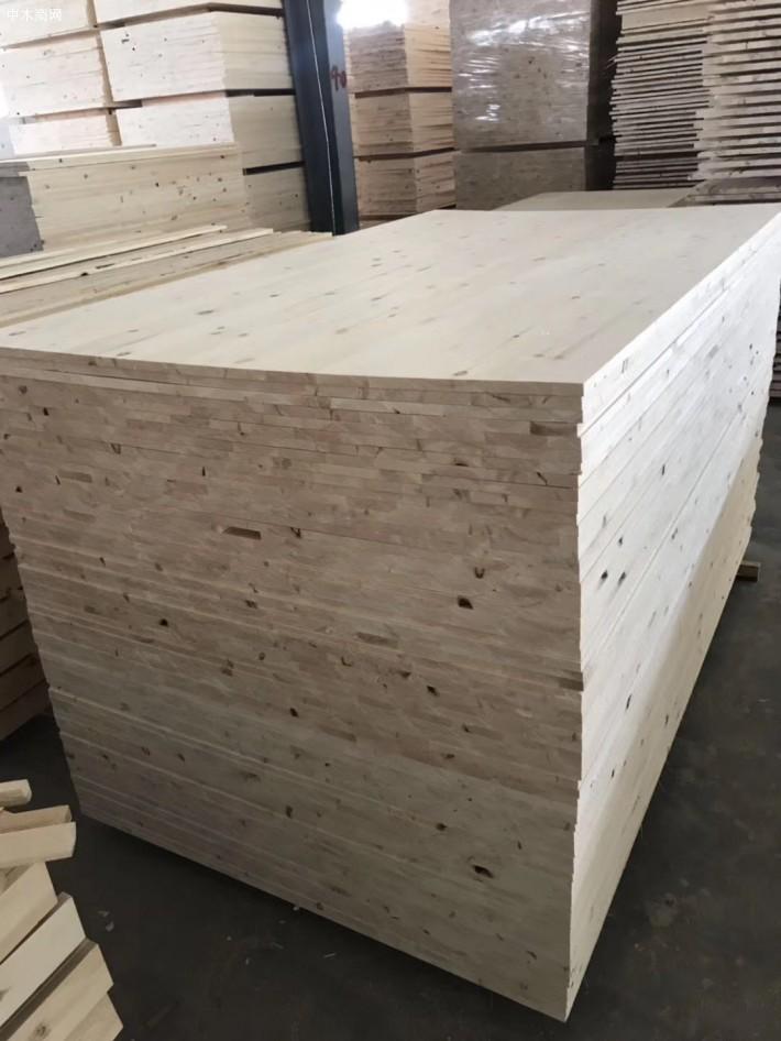 内蒙古呼伦贝尔满洲里三发木业有限公司是一家专业经营桦木烘干板,樟子松拼板的品牌企业