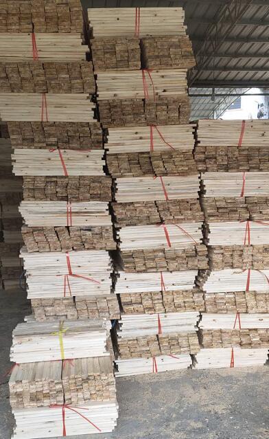 南丹素金木材加工厂是 一家专业经营杉木板材的品牌企业