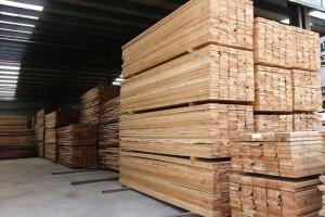 大量硬杂木烘干板材,方料供应