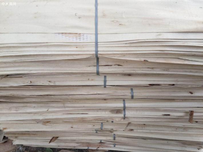 杨木三拼夹芯板的缺点