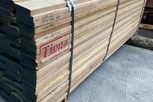 进口美国红樱桃木板材实物图片