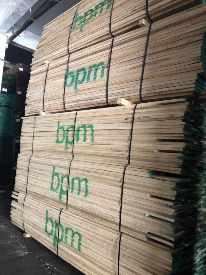 进口美国黄杨(鹅掌楸)木板材厂家