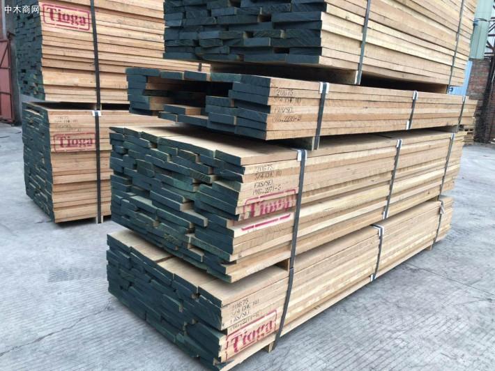 美国樱桃木是高级木料,木纹是直木纹