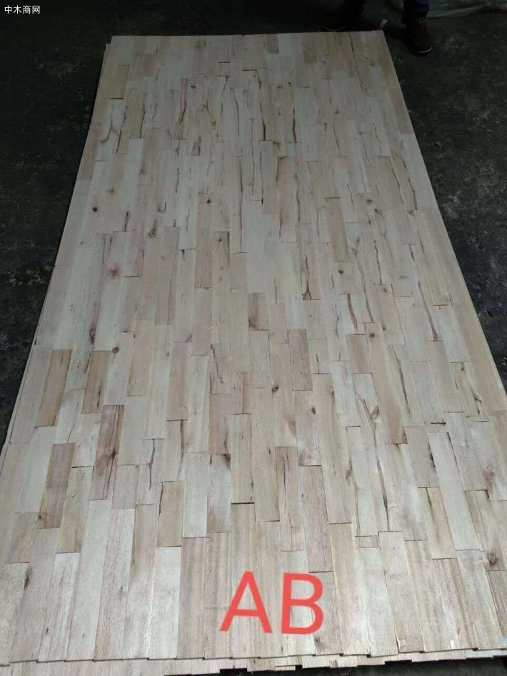 马六甲是进口的木材,是国内用于做高档板的木头