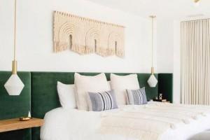 卧室买床好还是做地台好呢,精装修的房子能做地台吗?