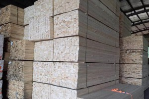 太仓展久木业建筑木方高清图片