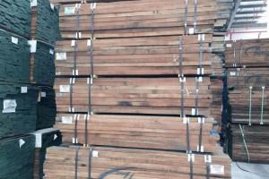 北美黑胡桃木板材优缺点?