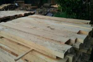 印尼橡胶木板材批发