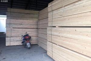 满洲里木材加工厂处于半停产状态