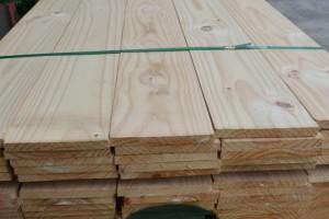 进口松木板材|芬兰松|欧洲芬兰云杉