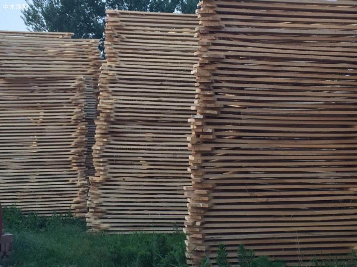 杨木板材优点介绍