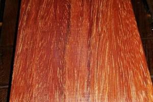 鸡翅木、红檀木、黄檀木、坤甸木的区别?