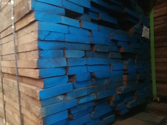 上海枋原木业有限公司,是一家专业经营美国进口黑胡桃木板材的知名品牌企业