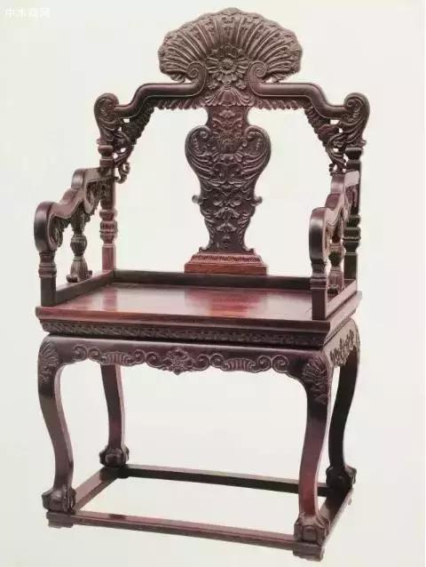 紫檀雕西洋花纹扶手椅