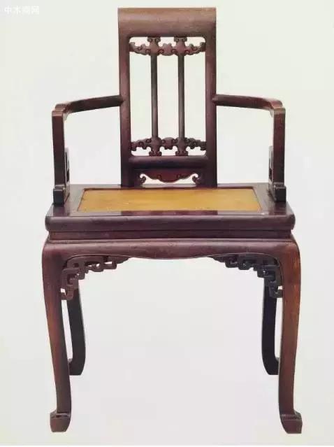 紫檀雕云纹藤心椅