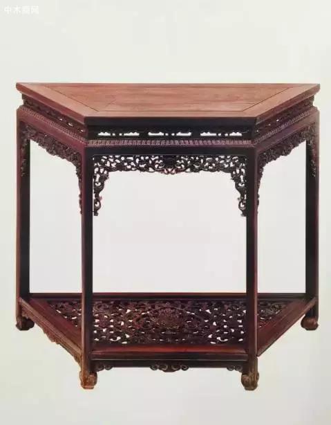 紫檀透雕西番莲纹梯形桌
