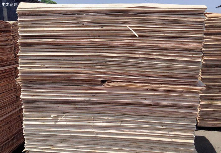 宏达木业杨木三拼木皮做的家具板材板面纹理通达