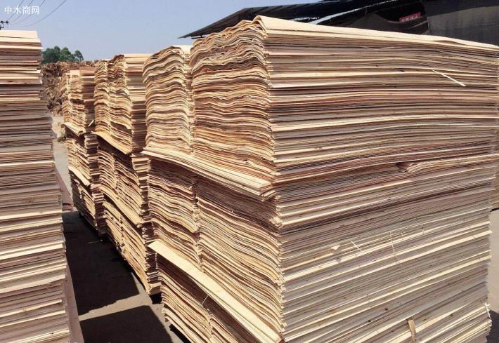 江苏徐州宏达木业专业生产杨木三拼木的皮品牌企业