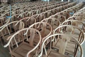买红木家具是到有实体工厂的地方买,还是在网上看图片下单,哪个更放心一点?