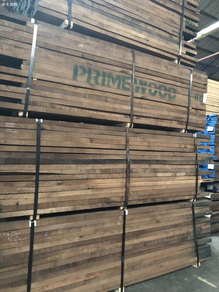 黑胡桃木板材做家具的特点