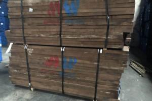 北美黑胡桃木板材图片
