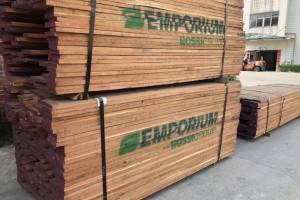 费县/临沂木材市场一片惨淡,上半年80%木材企业亏损状态!