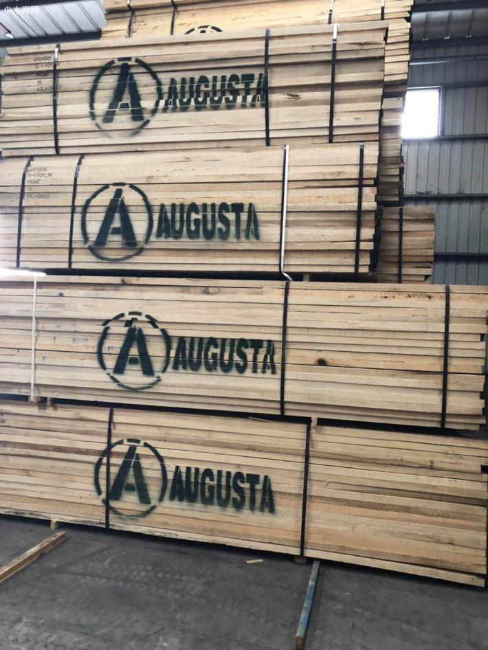 广东东莞市大岭山福联木业是一家专业经营北美进口红橡木板材和白橡木板材知名品牌企业