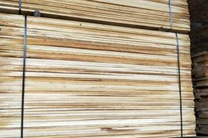 白杨木烘干板材图片_森强木材加工厂