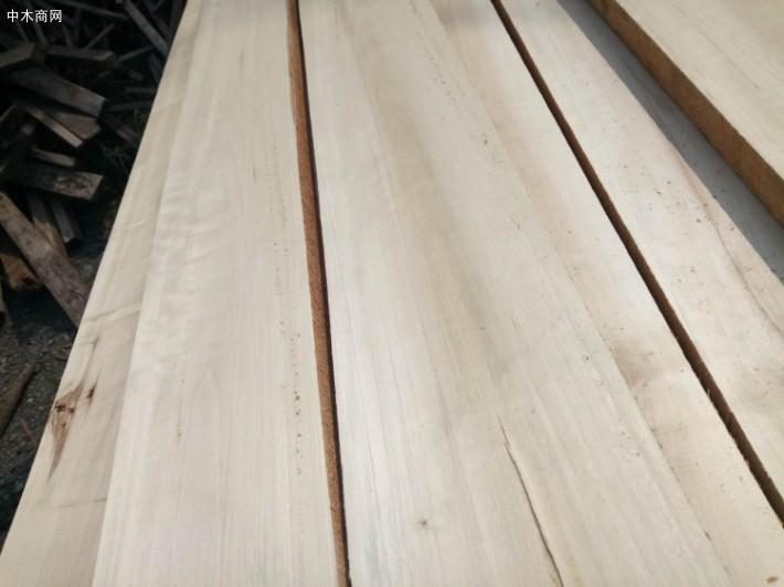 河南白杨木家具是实木家具的一种