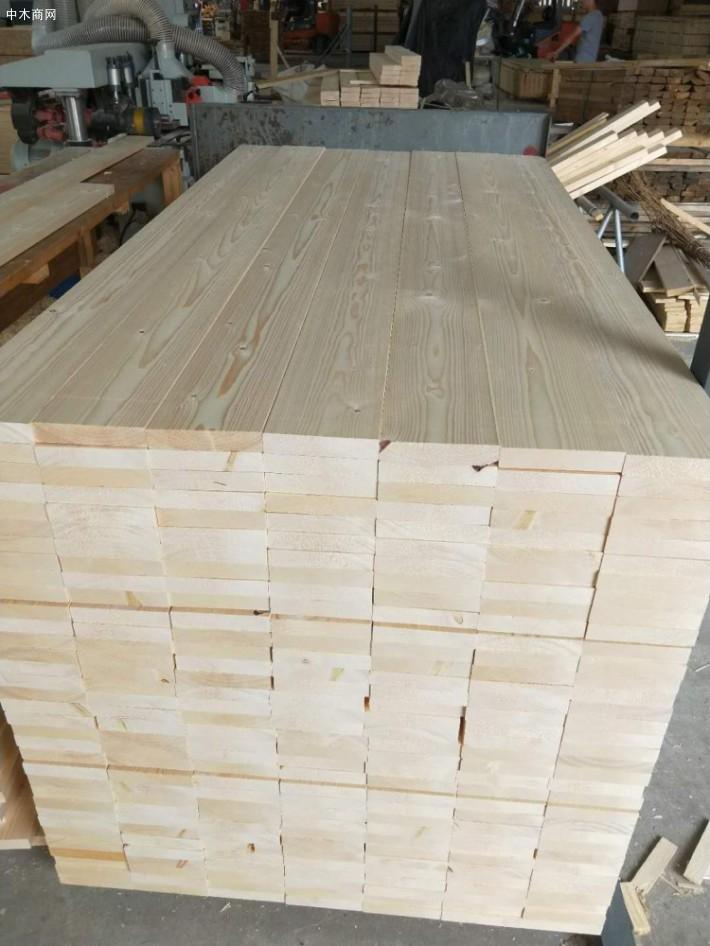 俄罗斯樟子松木板价格。樟子松木板价格