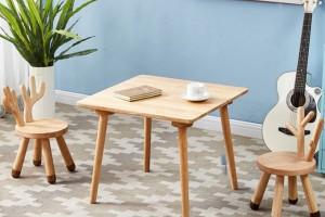 山东省宁津县专业生产橡胶木儿童宝宝椅儿童桌