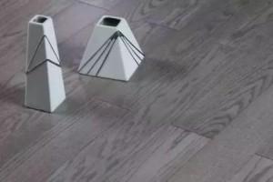 装修选择杂牌实木地板还是大品牌强化地板?