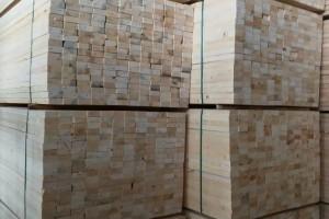 加拿大松木建筑工程木方图片