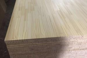 阿根廷松木指接板高清图片