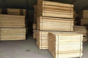 装修打家具用杨木板材好?