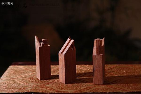 用料讲究 真正的中国传统红木家具均用质地优良