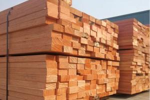 长期供应柳桉木,防腐木,木方圆柱加工