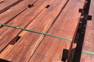 长期供应木方,圆柱.防腐木.工程木料.品质优良价格实惠。