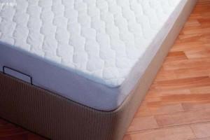 床垫上那层膜到底要不要撕掉?看完一下全明白了
