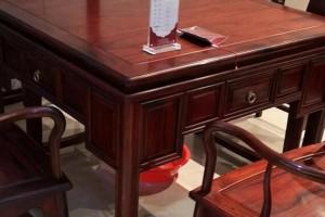 大红酸枝家具要不要上漆?