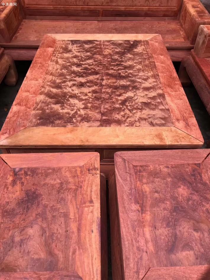 目前的凭祥缅甸花梨红木沙发
