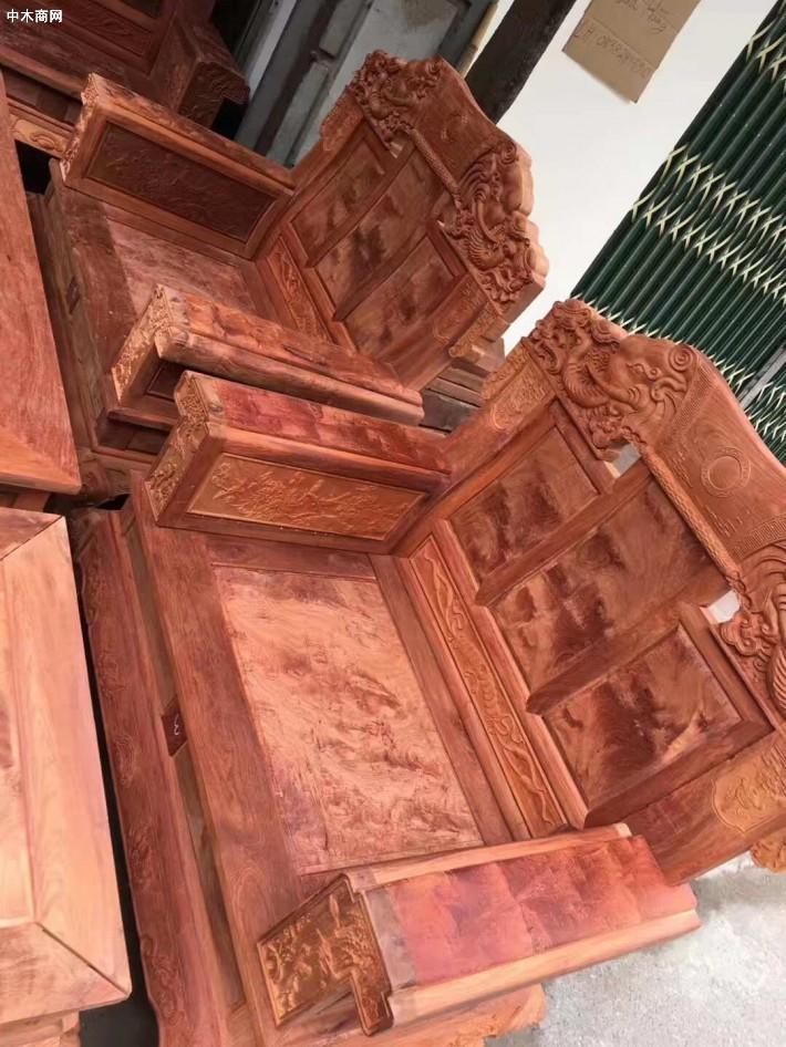 广西凭祥市浦寨龙之涵红木家具店专业生产缅甸花梨木大红酸枝红木家具知名品牌企业