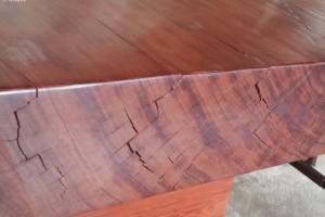 如何防止家具开裂?