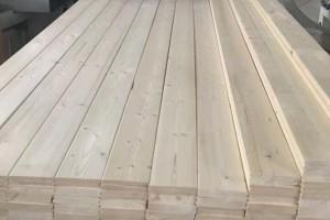 床板用实木好还是板材的好?实木床板选松木还是杉木合适?