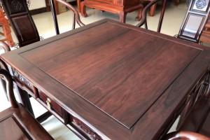 交趾黄檀(红酸枝)家具如何选购?交趾黄檀(红酸枝)木材如何鉴别?