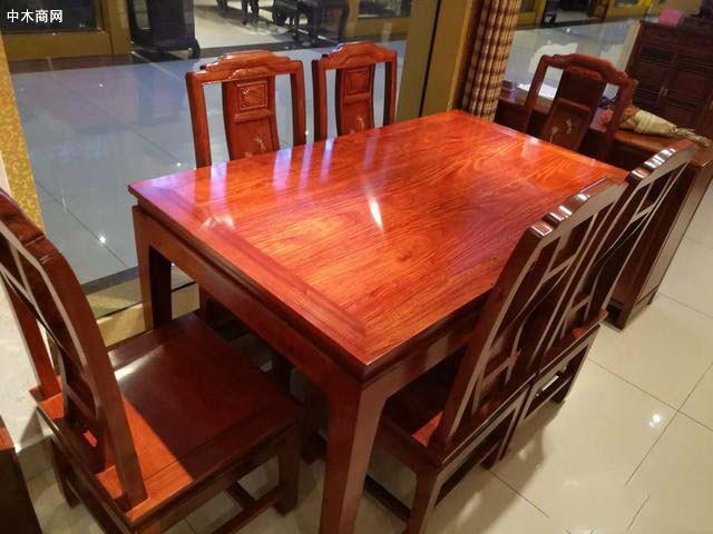 缅花三拼的桌子值得购买吗品牌