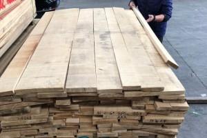 俄罗斯桦木自然宽板材细节视频